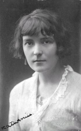 a black and white photo of Katherine Mansfield